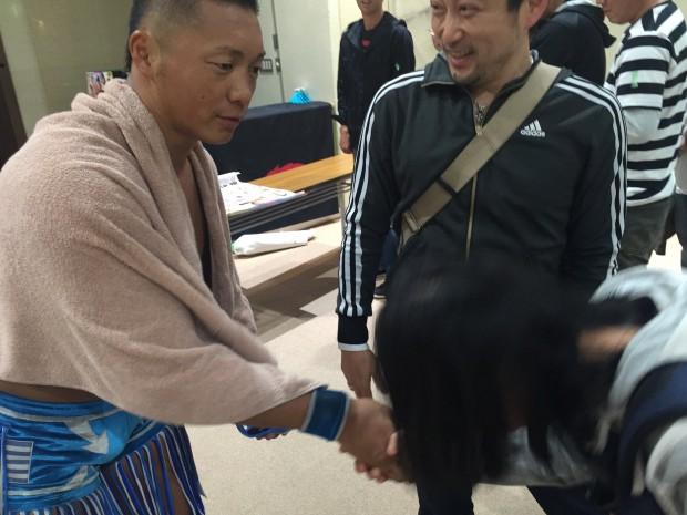 CIMA選手と握手