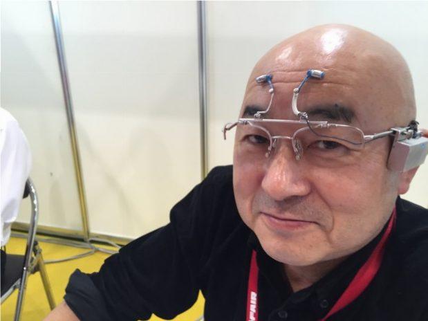 テクノフェアで脳波測定できるメガネ
