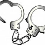 父が、逮捕された。